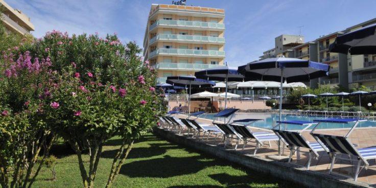 Hotel Royal thumbnail