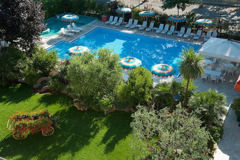 Hotel ariston a bibione soggiorni prezzi offerte e - Hotel bibione con piscina ...