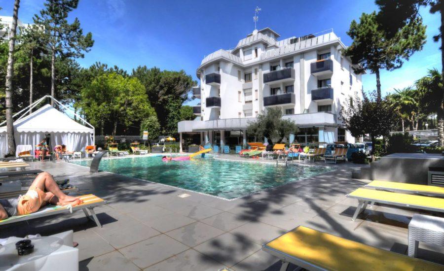 hotel-franz-bibione-esterno