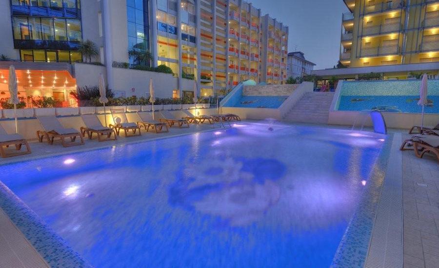 piscina-hotel-ca-doro-bibione