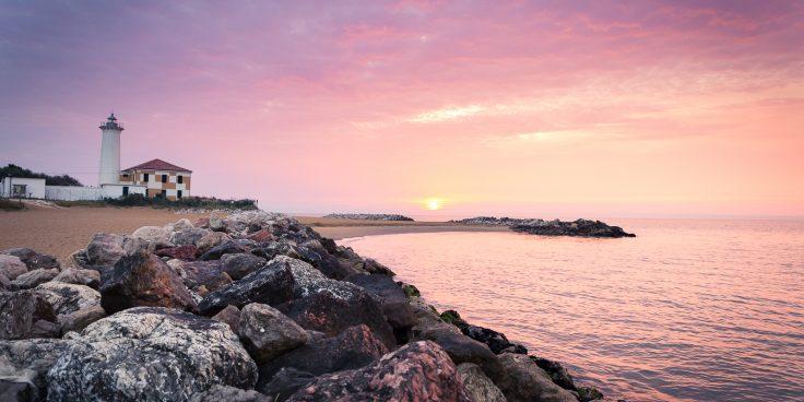 Der Leuchtturm von Bibione: zwischen Ausflügen und maritimer Geschichte thumbnail