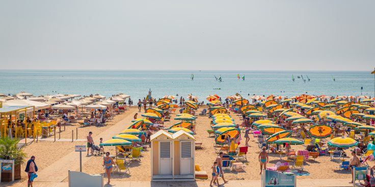 The beach of Bibione: services, comfort and clean sea thumbnail