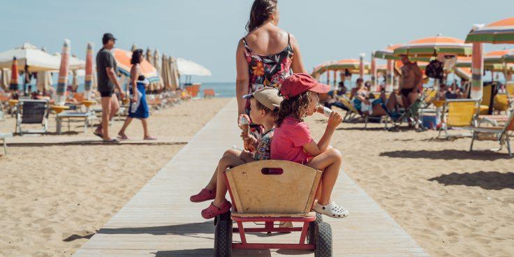Bibione beach, a smoke-free paradise full of fun thumbnail