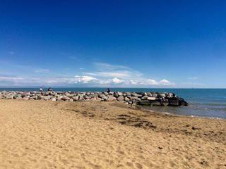 #mare#sabbia#sole#veneto#sun #sunny #sunnyday  #nature #sky #skywatcher #beautifulday  #goodweather  #blueskies  #sole  #colsoleinfronte #clouds #cloud #weather #skyline #horizon #cielo#scogli#visitbibione