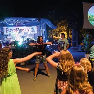 • EuroParty: an exclusive evening for the whole family in a park with shows, live music, entertainment and much more • [ #ETGroupHolidays #Bibione #DiscoverBibione #visitbibione #VisitVeneto #holidays #italy #italia #europarty #party #animation #miniclub #shows #livemusic ]