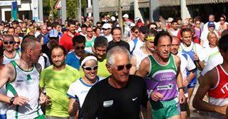 Allenamenti iniziati? Non farti trovare impreparato! Manca poco alla Bibione Half Marathon, uno degli appuntamenti più attesi dai runners! http://bit.ly/BibioneHalfMarathon #bibione #visitbibione #bibione2017 #runners #halfmarathon #sport Training begonnen? Lassen Sie nicht unvorbereitet erwischen! Bibione Halfmarathon kommt bald, einer der am meisten erwarteten Termine für Läufern! Training started? Be ready! Bibione Half Marathon is coming soon, one of the most anticipated dates for runners!