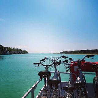 #Bibione by @kikki.71 Il nuovo collegamento in barca sul fiume #tagliamento fra Bibione e #Lignano Sabbiadoro #discoverbibione • [ #bibione2018 #bibione18  #bibionebeach #bibionestrand #bibionespiaggia #bibionespiaggia2018 #bibione2k18 #bibione_info #venetobeach #veneto ] • #xriver #visitbibione #visitveneto #bikeholiday #cicloturismo #gogreen #bibionebike #slowtravel #turismoslow #bikeholiday #biketour #greentravel #greentourism #biketouring