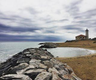 ~ relax ~ Bibione 2017 #photography#instaveneto#bibione#relax#scatti_italiani#sea#mare#l4l#volgoitalia#volgoveneto#bestvenetopics#faro#picoftheday#like4like#igc_landscape#venetodascoprire#canon#bruttotempo#nuvole#photooftheday#walking#spiaggia#visititalia#beautifuldestinations#viaggiare#instalike#vivoveneto#visitbibione#traveling_veneto
