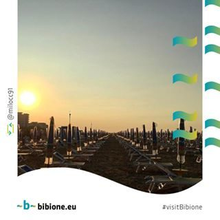 Non c'è spettacolo più bello del sole che nasce su Bibione 🙂 Aspettiamo anche le vostre foto con l'hashtag #visitbibione! #bibione #visitbibione #bibione2016 #holiday #bibione2017 #summer #repost #sunrise Gibt es keinen schöneren Anblick als die aufgehende Sonne auf Bibione 🙂 Wir freuen uns auf ihre Fotos mit dem Hashtag #visitbibione! There's no more beautiful show han the rising sun on Bibione 🙂 We are waiting for your photos with the hashtag #visitbibione!
