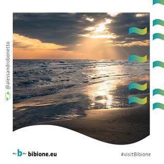 Grazie a @alessandrobonetto per gli splendidi ricordi di Bibione invernale che ci regala. Aspettiamo insieme il sole e il caldo che tutti amiamo, e che torneranno presto sulla nostra meravigliosa spiaggia. #bibione #visitbibione #2018 #waitingforsummer #summer2018 #estate #estate2018 #summertime #bibione2018 Danke an @alessandrobonetto für die wundervollen Erinnerungen des Winters Bibione, der uns gibt. Lassen uns zusammen auf die Sonne und die Wärme warten, die wir alle lieben und die bald an unseren wunderschönen Strand zurückkehren werden. Thanks to @alessandrobonetto for the wonderful memories of the winter Bibione that he gives us. Let's wait together for the sun and the warmth that we all love, and that will soon return to our wonderful beach.