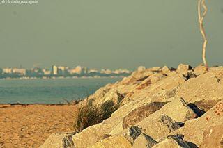 Una tranquilla giornata d'ottobre.📷 . . . #bibione_info #Bibione #bibionebeach #visitbibione #bibionecom #veneto #City #landscape #ig_veneto  #igveneto_ #sea #seascape #lignano #coast #Veneto  #naturephotography #rocks #naturelovers #natgeo #nature #photography #awesome_earthpix #yallersveneto #volgoveneto #visitveneto