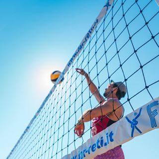 Buone notizie per gli amanti del volley! 🎽La tanto attesa Beach Volley Marathon tornerà a Bibione dal 24 al 26 maggio e dal 20 al 22 settembre 2019. Stay tuned per info e iscrizioni! 📆😉 #bibione #visitbibione #2018 #bibione2018 #autunno #autunno2018 #autumn #falltime #mizunobeachvolleymarathon #beachvolleymarathon #bibionebeachvolleymarathon Gute Nachrichten für Volleyball-Liebhaber! 🎽 Der lang ersehnte Beach Volley Marathon wird vom 24. bis 26. Mai und vom 20. bis 22. September 2019 wieder nach Bibione zurückkehren.Stay tuned für Infos und Anmeldung! 📆😉 Good news for volleyball lovers! 🎽 The long awaited Beach Volley Marathon will return to Bibione from 24 to 26 May and from 20 to 22 September 2019. Stay tuned for info and registration! 📆😉