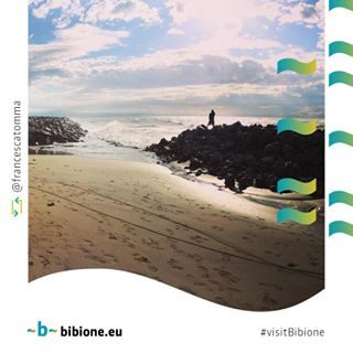 Il modo migliore per affrontare la giornata? Occhi puntati verso l'orizzonte, il sole in faccia e il rumore del mare! #repost @francescatomma #bibione #visitbibione #holiday #bibione2017 #beach #autumn2017  Der beste Weg, um den Tag entgegenzutreten? Gezeigteten Augen auf den Horizont, die Sonne im Gesicht und den Lärm des Meeres! The best way to face the day? Eyes pointed towards the horizon, the sun in the face and the noise of the sea!