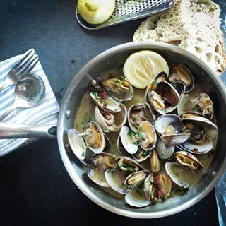Dove mangiare pesce fresco durante le tue vacanze a Bibione? Ti consigliamo i 10 migliori ristoranti. Scoprili sul nostro sito! 🐟😀 #bibione #visitbibione #discoverbibione #2018 #summer2018 #estate #estate2018 #summertime #bibione2018