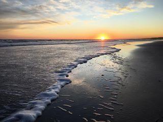 L' estrema semplicita' e bellezza del tramonto ! #bibione #beach , #italy , #2017 . . . . . . #landscape #landscapephotography #landscapelover #landscape_lovers #seascape #skyporn #autumn #visitbibione #visitveneto #venetissimo #browsingitaly #igworldclub_sunset #ig_bliss #beautifuldestinations #wanderlust #wonderful_places #travelblogger #travelphotography #photooftheday #instagood #photography #igersitalia #igers